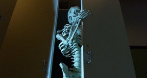 skeleton-in-closet